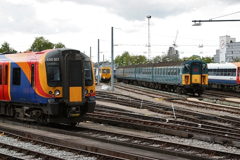 4 Vep  3417 at Clapham Junction